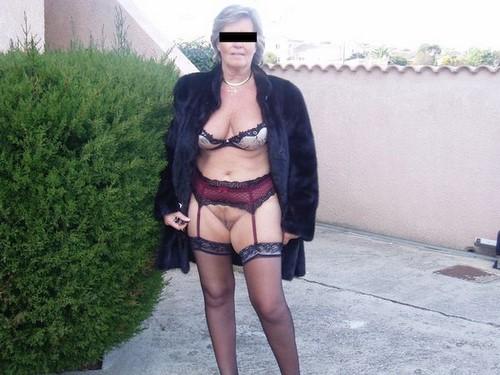 Femme mure BCBG du 75 veut un jeune mec
