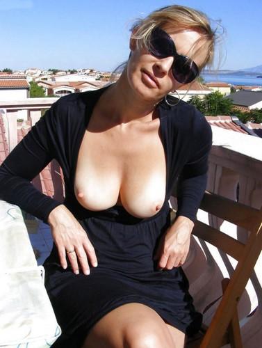 Jolie blonde cherche amant black bien membré