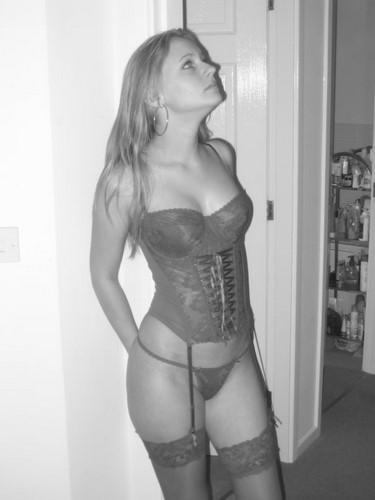 Parisienne chaude et sexy veut un fuckfriend