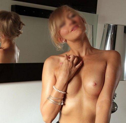 Célibataire blonde et pétillante cherche copain de sexe dans le 92