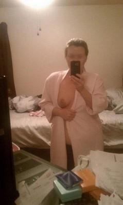 Femme romantique cherche mec doux pour sexe cool