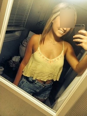 Jeune fille 18 ans recherche plan Q en IDF ss prise de tete svp