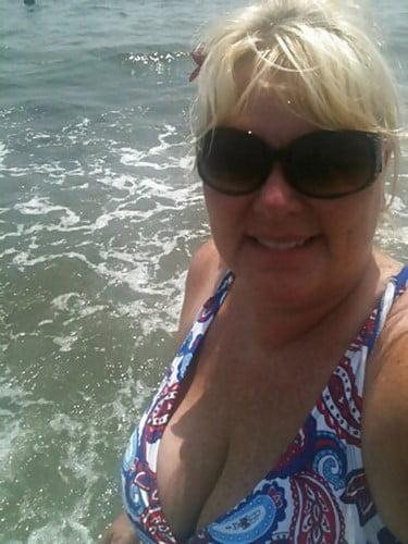 Mamie chaude du 94 veut juste une rencontre coquine