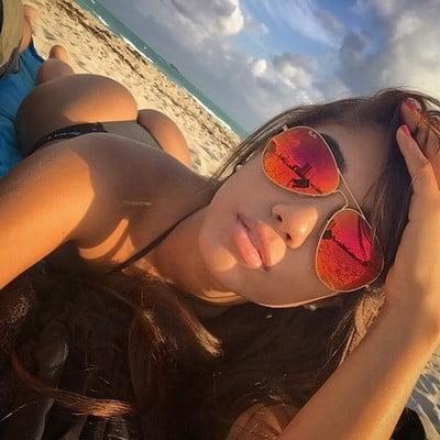 Miss originaire asiatique recherche sexfriend cool et pas collant